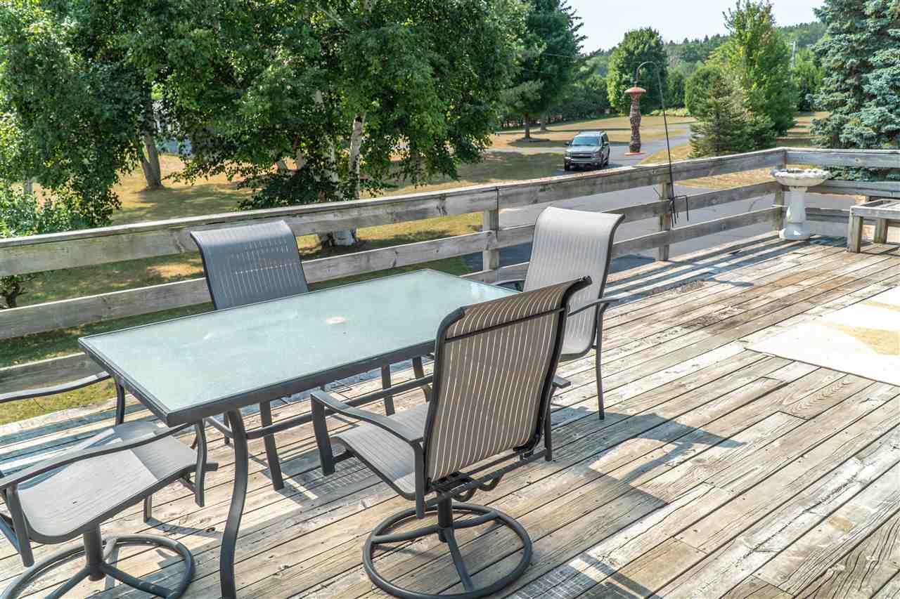 7223 Lightfoot Road, Harbor Springs, MI - Rental Home Deck